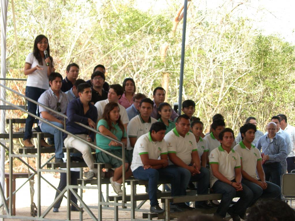 Impresiones de Diana Ávila Padilla en compañía de 22 jóvenes representantes de la ciencia y la tecnología en Yucatán